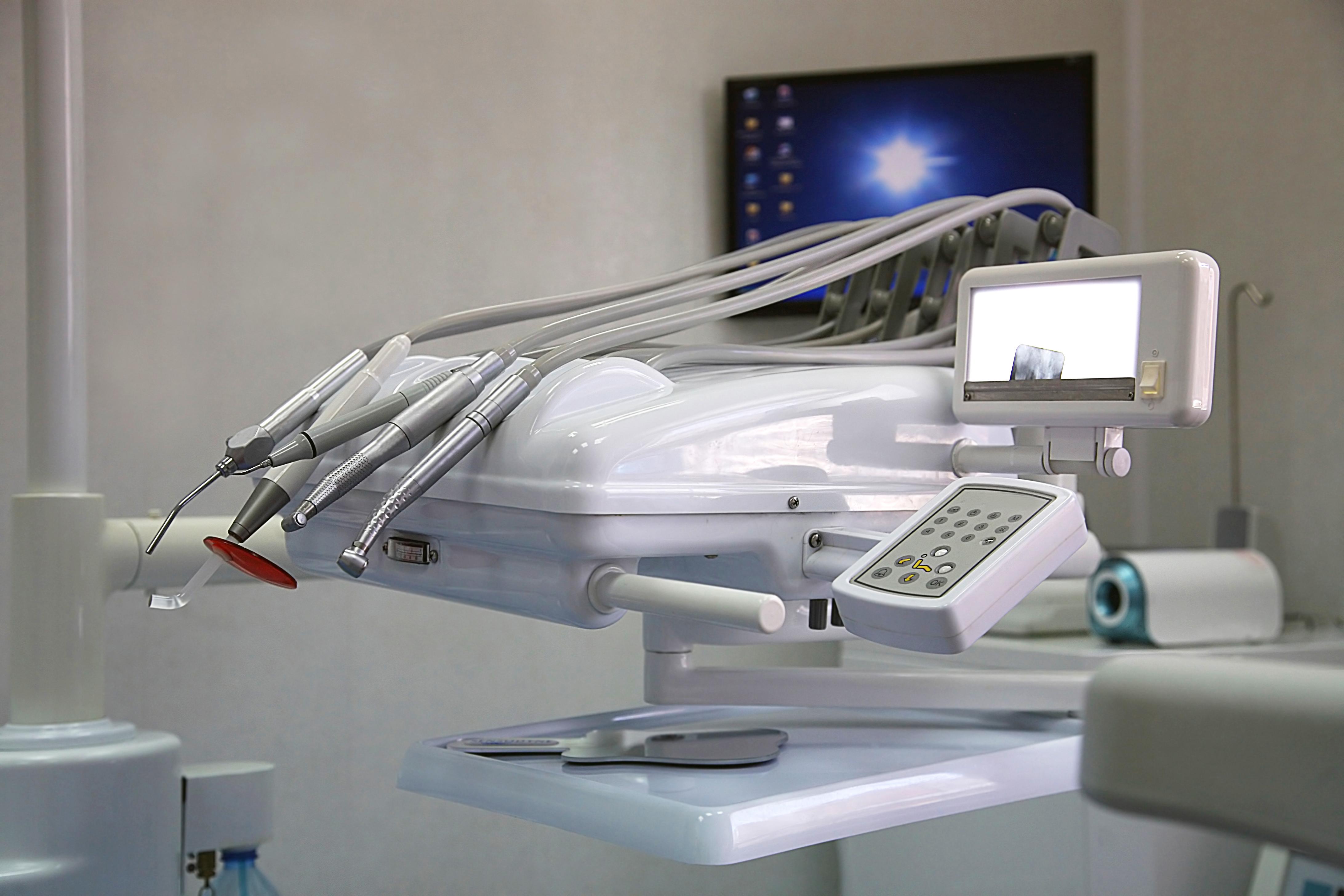 השתלת שיניים השתלות שיניים וכל הבדיקות הדרושות